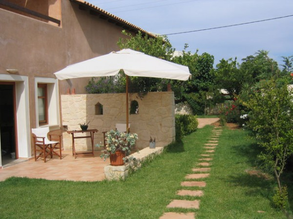 A Maleme Cottage + Free Car Hire