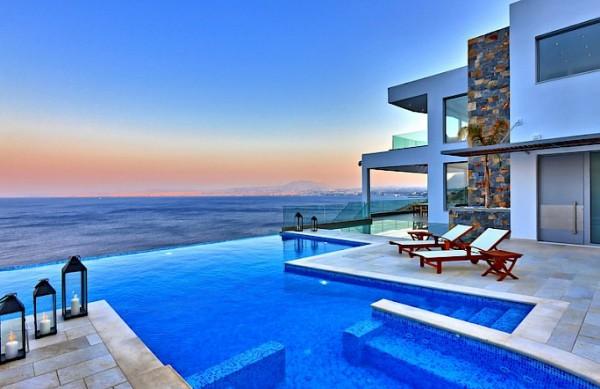 Luxury Villa 5 Stars Available Now!