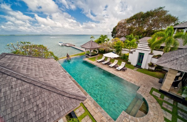 Absolute Waterfront Villa Selamanya