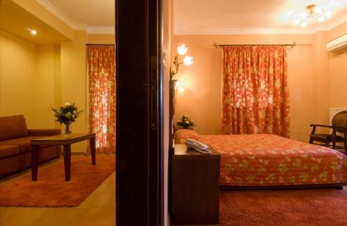 Deluxe Apartment With Meteora View | Dellas Boutique Hotel