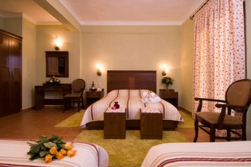 Family Room With Meteora View | Dellas Boutique Hotel