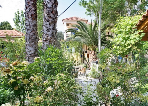 9 Musses Traditional Apartments In Lesvos