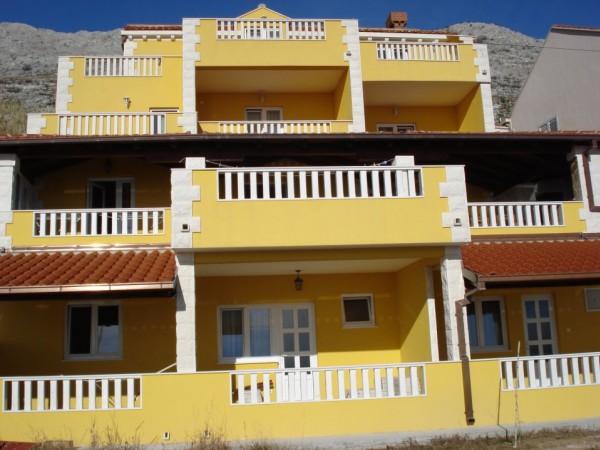 Villa Sunset Apartments