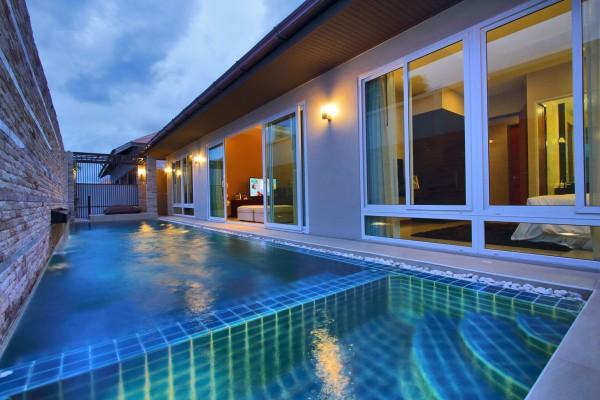 C12 La Ville Grande Pool Villa 4bed/4bath
