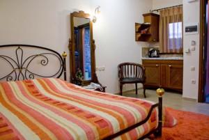 Chorostasi Guest House - Parthenonas