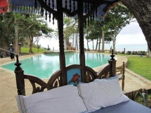 Galu Kinondo Beach Villa