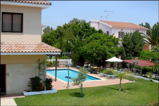 Villa Alexia, 4 Bdr, Private Pool, Garden, Wi-fi, Patio, Bbq, Parking